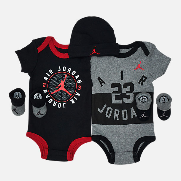 Front view of Infant Air Jordan 5-Piece Set in Black/Red