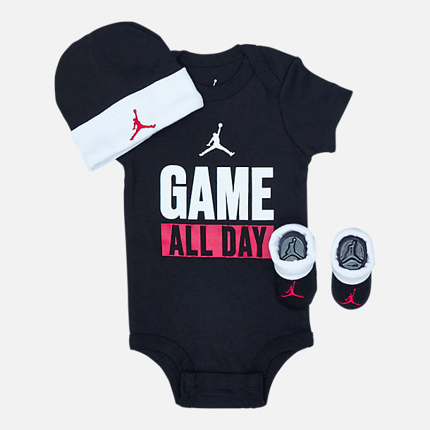 Front view of Infant Jordan I Got Game 3-Piece Box Set in Black/Red/White