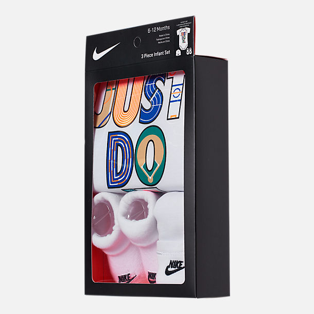 Back view of Infant Nike Geo Just Do It 3-Piece Box Set