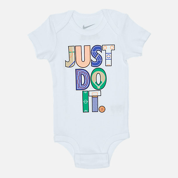Alternate view of Infant Nike Geo Just Do It 3-Piece Box Set