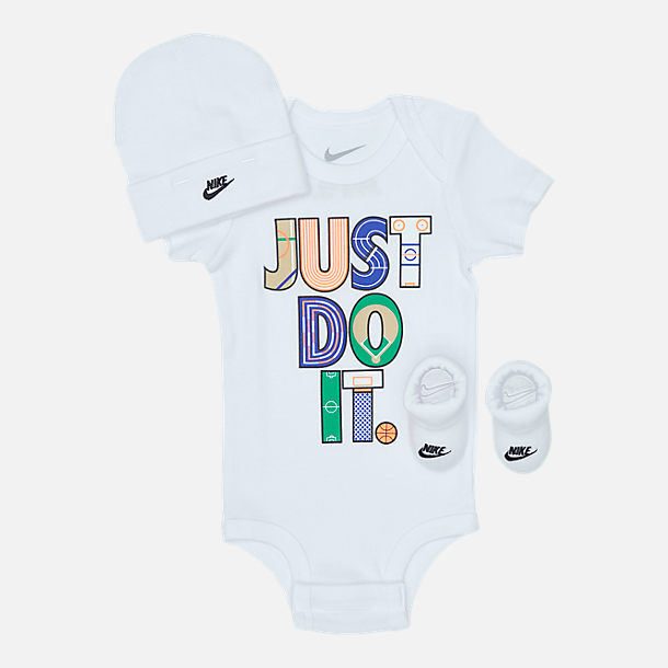 Front view of Infant Nike Geo Just Do It (6-12 Months) 3-Piece Set in White/Multicolor