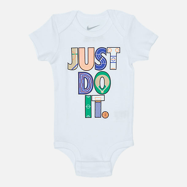 Alternate view of Infant Nike Geo Just Do It (6-12 Months) 3-Piece Set in White/Multicolor