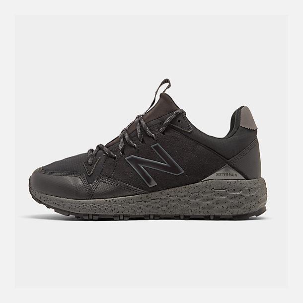 40300ce510fef Right view of Men's New Balance Fresh Foam Cruz Crag Trail Running Shoes in  Black/