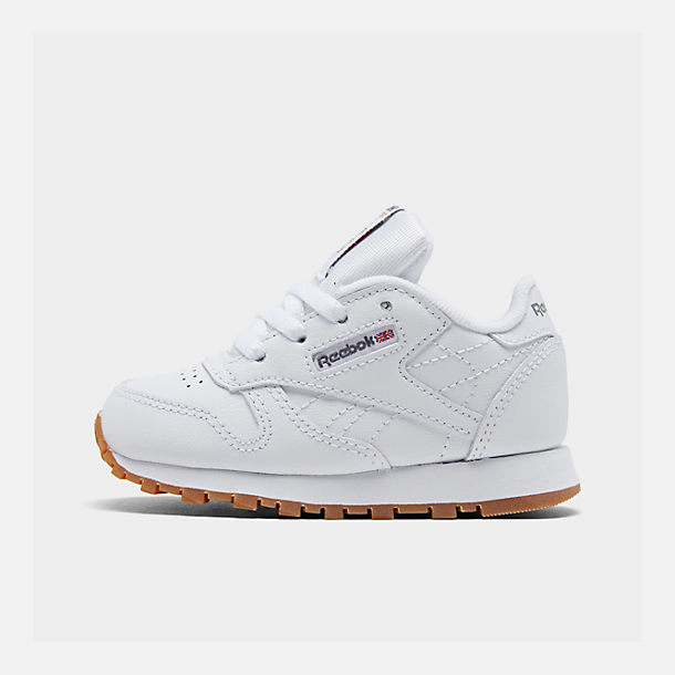 Right view of Kids' Toddler Reebok Classic Leather Casual Shoes in White/Gum