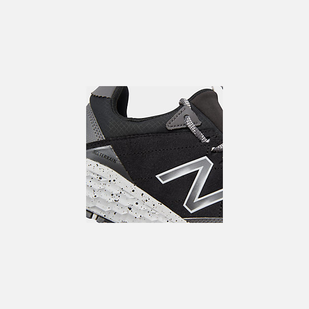 Front view of Women's New Balance Fresh Foam Crag V1 Trail Running Shoes in Black/Magnet