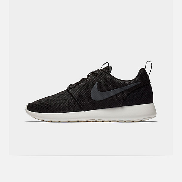 Right view of Men's Nike Roshe One Casual Shoes in Black/Anthracite/Sail