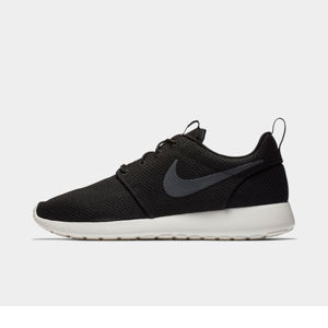 Men's Nike Roshe One Casual Shoes Product Image